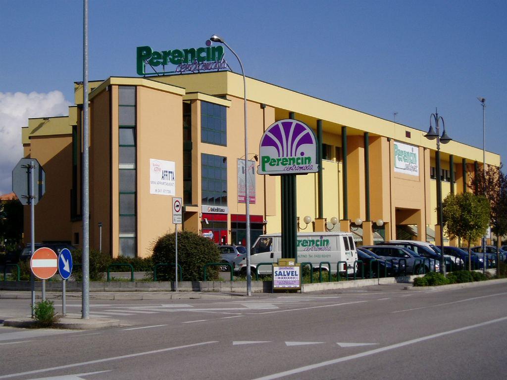 negozio abbigliamento quarto d 39 altino in provincia di venezia
